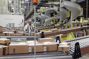amazon-warehouse-300-200